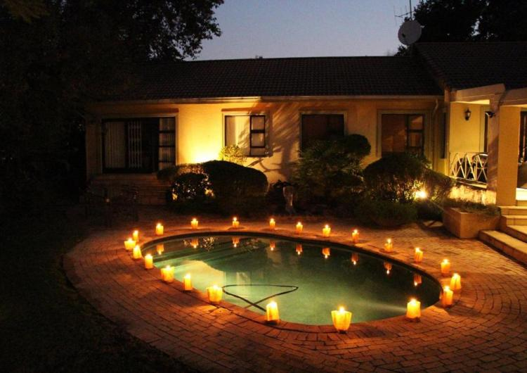 A Hundred Thousand Welcomes B&B, 94 First Street, Parkmore, South Africa (2)