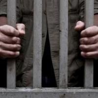 Tinerii care au batjocorit o femeie pe care apoi au lăsat-o să moară ca pe un câine într-o mocirlă, condamnați la închisoare