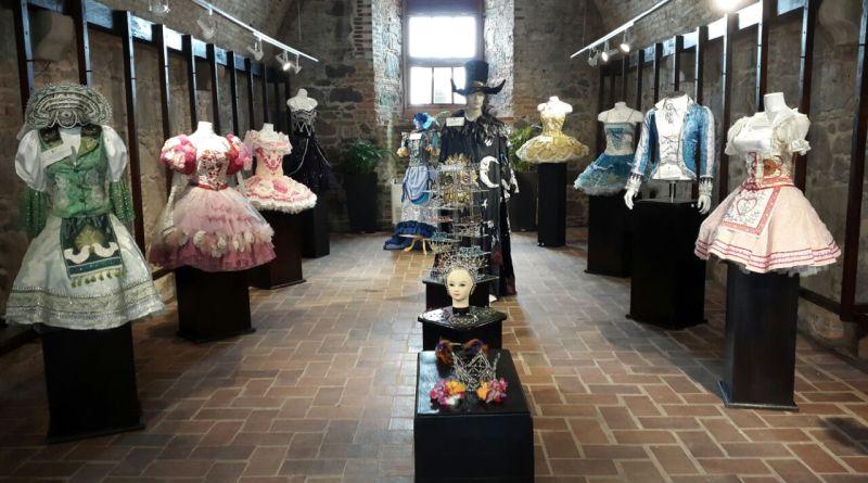 Vestuarios del Ballet Coppélia en la Galería Juan Manuel Cedeño