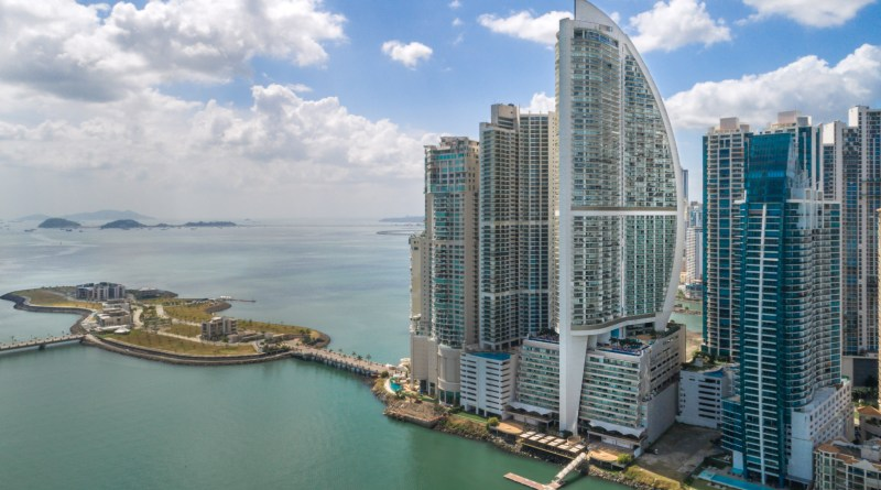 Trump International Hotel & Tower Panamá recibe el Guest Review Awards de Booking.com