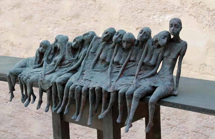 Pequeñas mujeres de bronce de Valérie Hadida