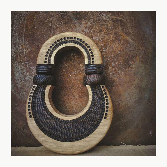 Esculturas de madera de inspiración tribal de Lucas Castex