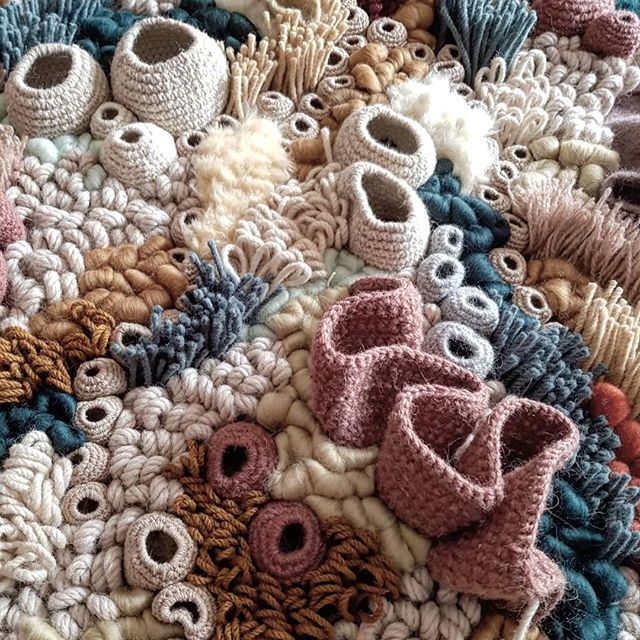 Arrecifes de coral tejidos por Vanessa Barragão - Esto no es arte