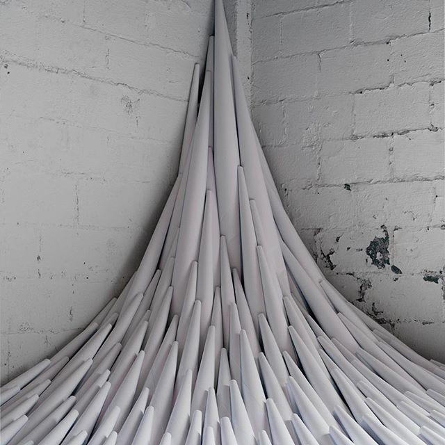 Paper drawing, las instalaciones de papel de Marit Roland