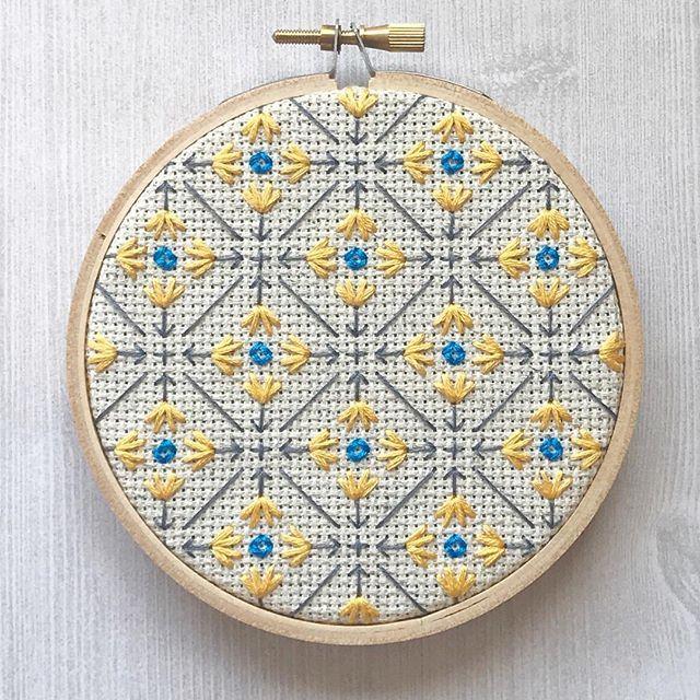 Los bordados geométricos de Jennifer Plott - Esto no es arte