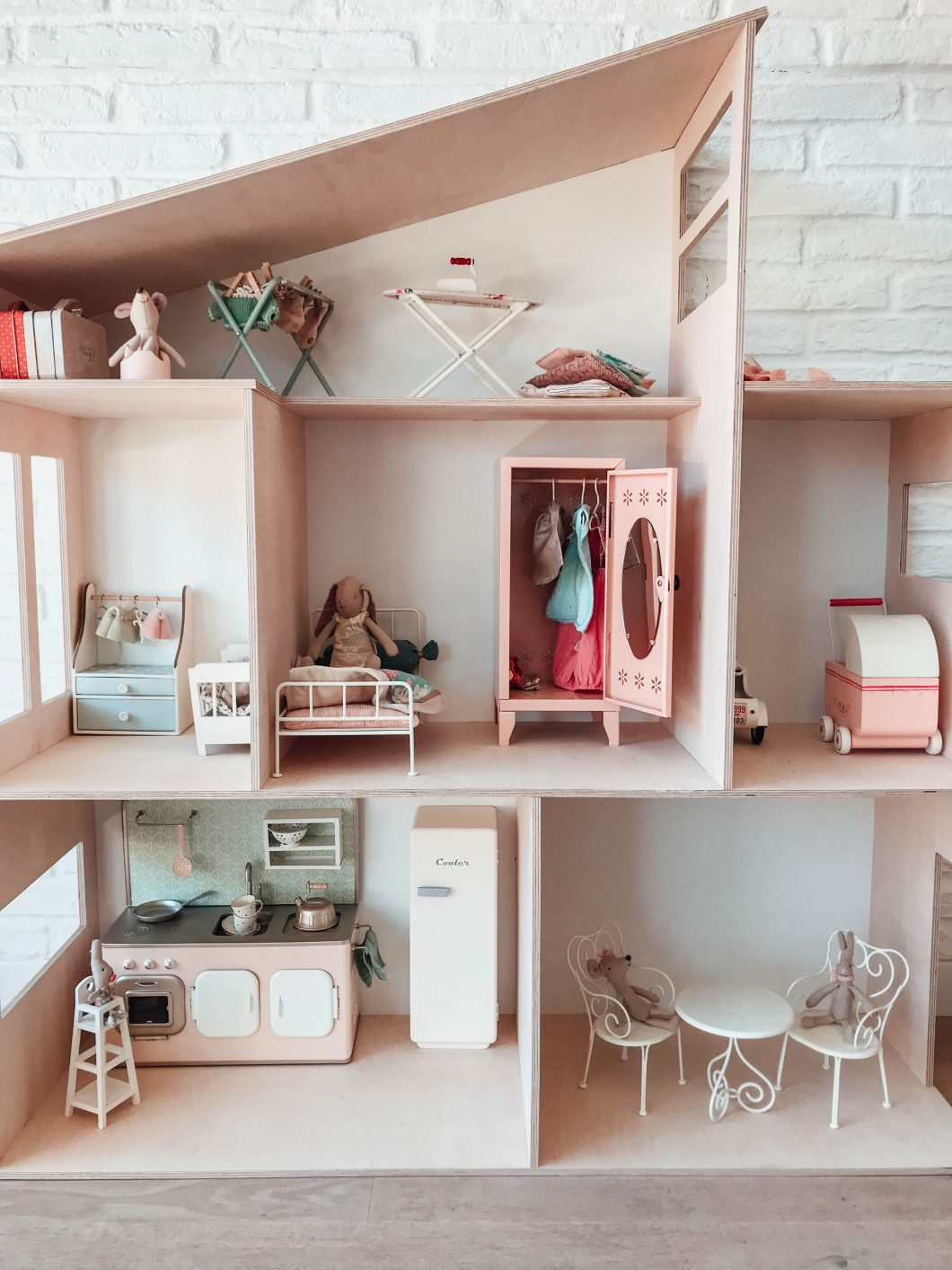 La Casa De Madera Muebles Casita Y Muebles Maileg Estoreta Family Craft And Deco