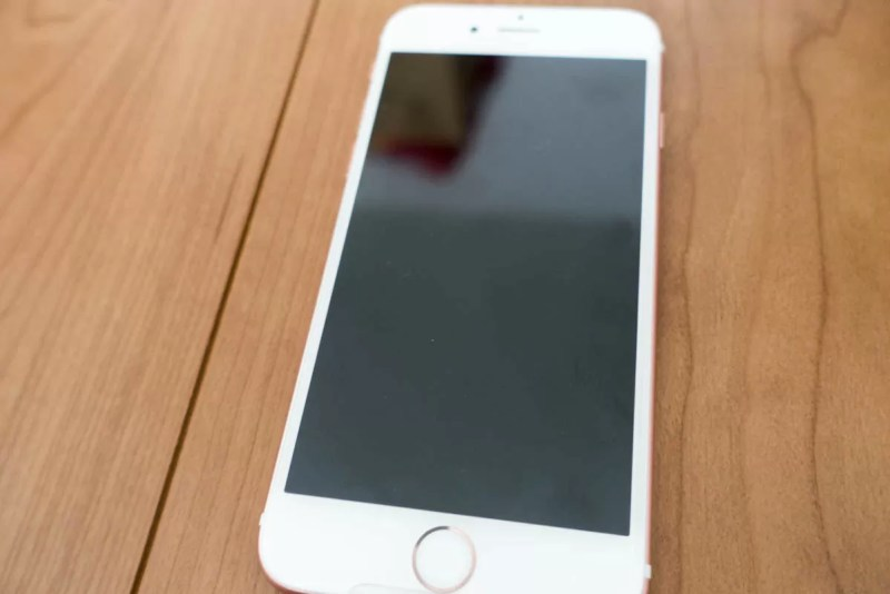 iPhone 6以降丸みをおびたデザインが増える