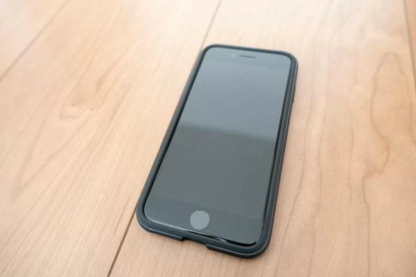 ラギッド・アーマーとiPhone 7ジェットブラック