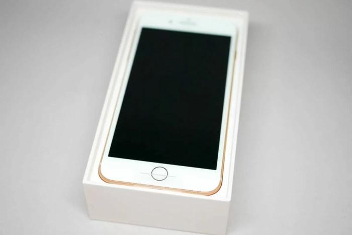 iPhone 8 Plus ゴールド登場