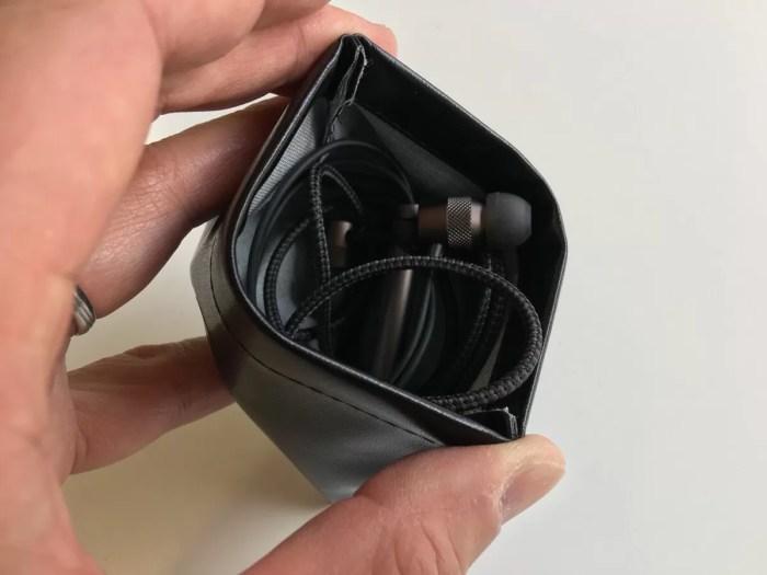 収納バッグの内部