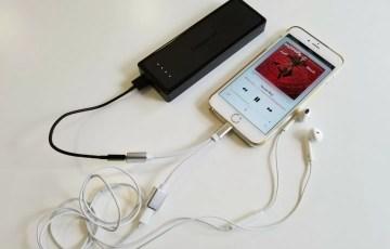 「Lightning 2ポート付きiPhone変換ケーブル」使用イメージ