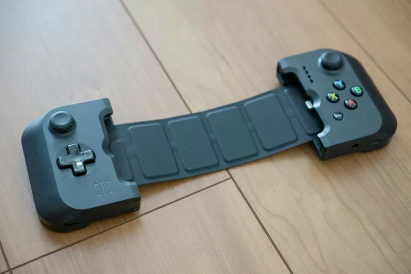 GAMEVICE Game Controller for iPhone v2本体