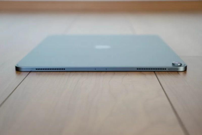 iPad Proを上部からチェック