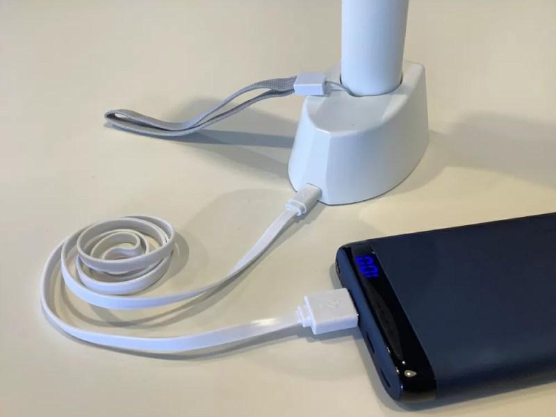 充電台USB給電