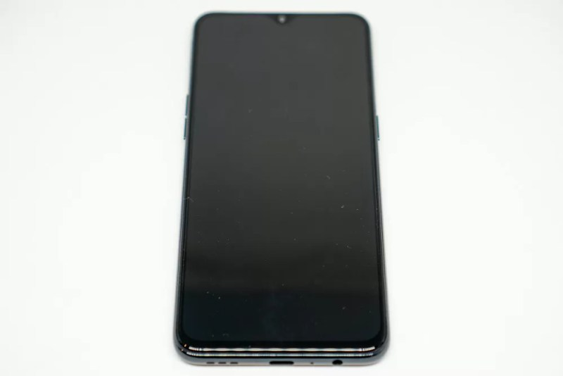 OPPO「Reno A」正面