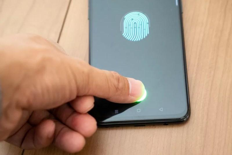 ディスプレイ指紋認証