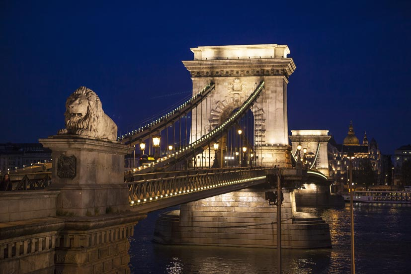 budapeste-chain-bridge-noite