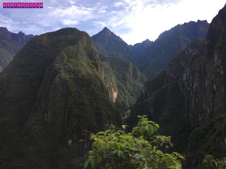 machu-picchu-sozinha-montanha-trilha