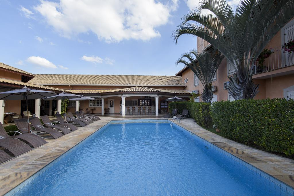 onde-ficar-em-sao-roque-hotel-cordialle-piscina