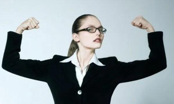 هل ينفر الرجال من المرأة الذكية أو الناجحة؟