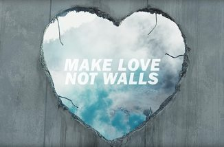 makelovenotwalls.jpeg
