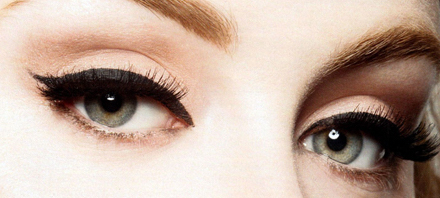 The Beauty Trend Thick Eyeliner Cat Eye