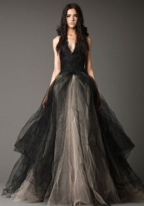 Vera Wang Elegant Wedding Gown