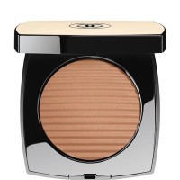 CHANEL Les Beiges Healthy Glow Luminous Colour Medium $58