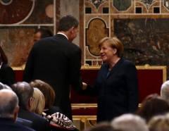 SM Rey Felipe VI con Angela Merkel SM Rey-FELIPE VI .- 6 de Mayo de 2016 entrega del Premio Carlomagno de Aquisgrán a SS Papa francisco