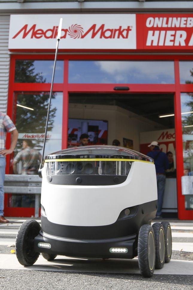 Lieferroboter von Media-Markt: Auf sechs Rädern über den Asphalt
