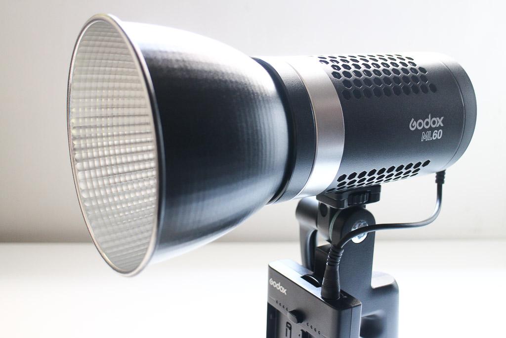 神牛LED燈ML60,神牛方便好攜體積小,亮度又夠的燈光選擇 商業攝影 攝影燈具
