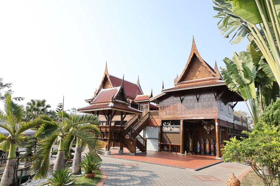 屏東 內埔超美泰式景觀餐廳,讓人瞬間到泰國的感覺,園區內隨便拍隨便美 屏東縣內埔鄉|泰國高腳屋