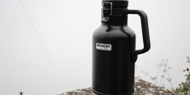Stanley保溫瓶1.9公升,容量大保溫保熱保冰效果都不錯 保溫瓶 Stanley Classic Easy-Pour Growler 64 oz 1.9L