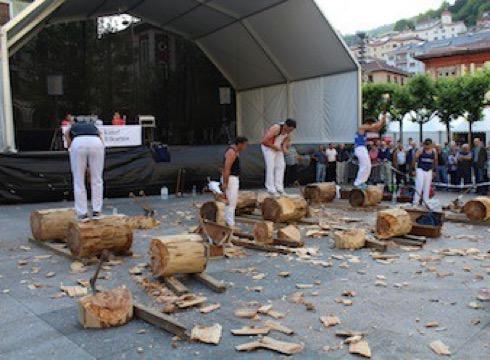 Euskal Jaialdiak herri-kirolen aberastasuna erakutsiko du domeka arratsaldean