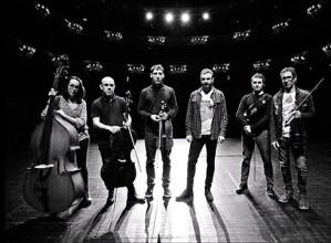 Eñaut Elorrieta & Kaabestri String Ensemble zuzenean, gaur iluntzean Coliseoan