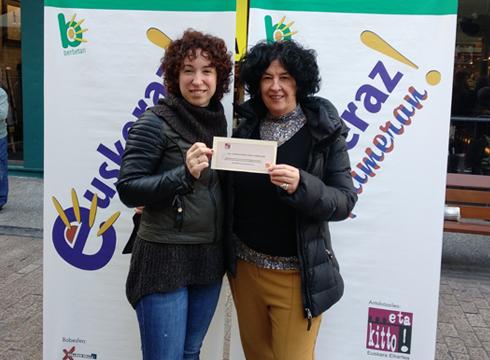Beherapenen azokako 100 euroko erosketa-txartela Elena Padillarentzat