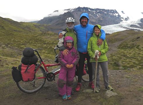 """Gaur arratsaldean """"Islas para viajar en bici""""  ikus-entzunezkoa emango dute Portalean"""