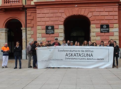 Kataluniari babesa azaltzeko mobilizazioak egin dira Debabarreneko lantegietan