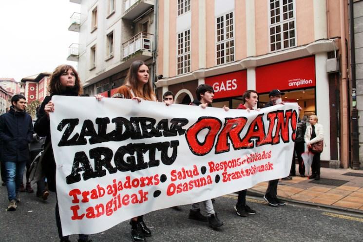 Zaldibar argitu manifestazioa goiza5946