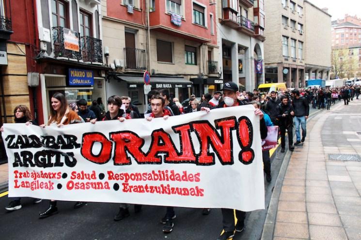 Zaldibar argitu manifestazioa goiza5956
