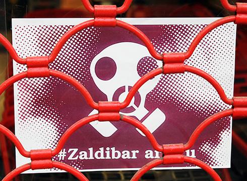 [AZKEN ORDUKOA] Arratsaldeko manifestazioak atzeratzea erabaki du Zaldibar Argituk