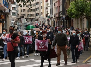 [ARGAZKIAK] Zapatuan Zaldibar Argituk deitutako manifestazioak zeharkatu zuen herria