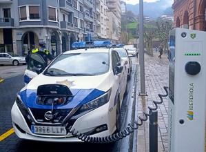 Udaltzaingoarentzat bi automobil elektriko hartu ditu errentan Udalak