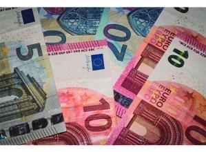 Bikote bat atxilotu dute 150.000 euro inguruko iruzurra egiteagatik