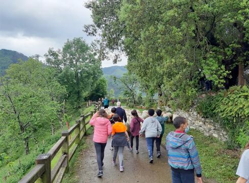 Eibarko 300 ikasle inguruk hartu dute parte 'Basarrixa Urretik' programan, landa-ingurunearen balioak hirira gerturatzeko
