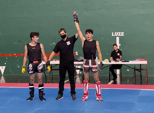 Eibartarrak garaile borroka guztietan Eskoriatzako kick boxing gau-ekitaldian