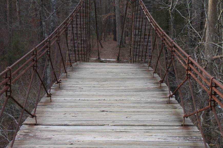 swinging bridge in tishomingo state park