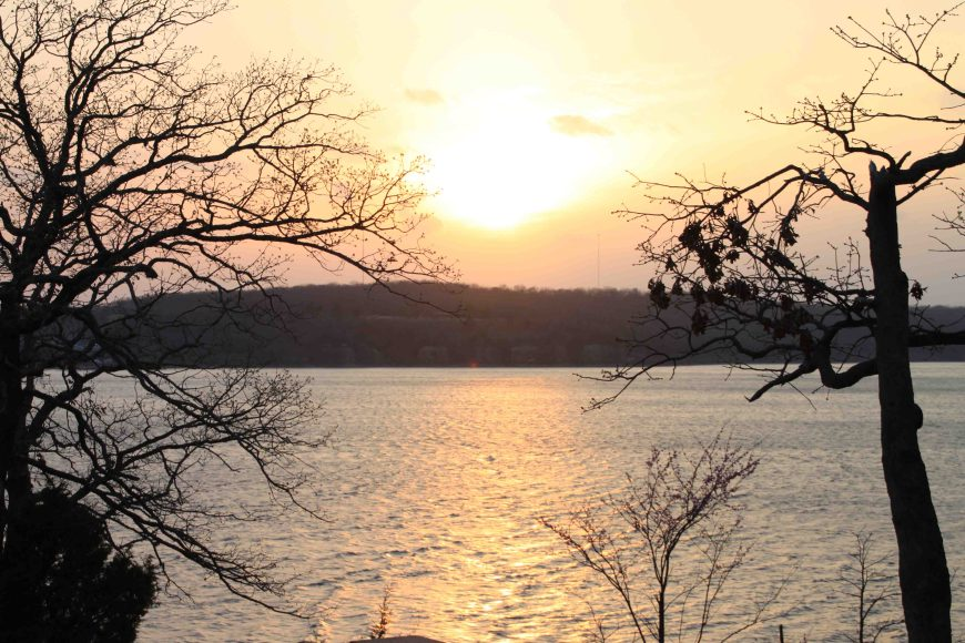 sunset at tenkiller state park