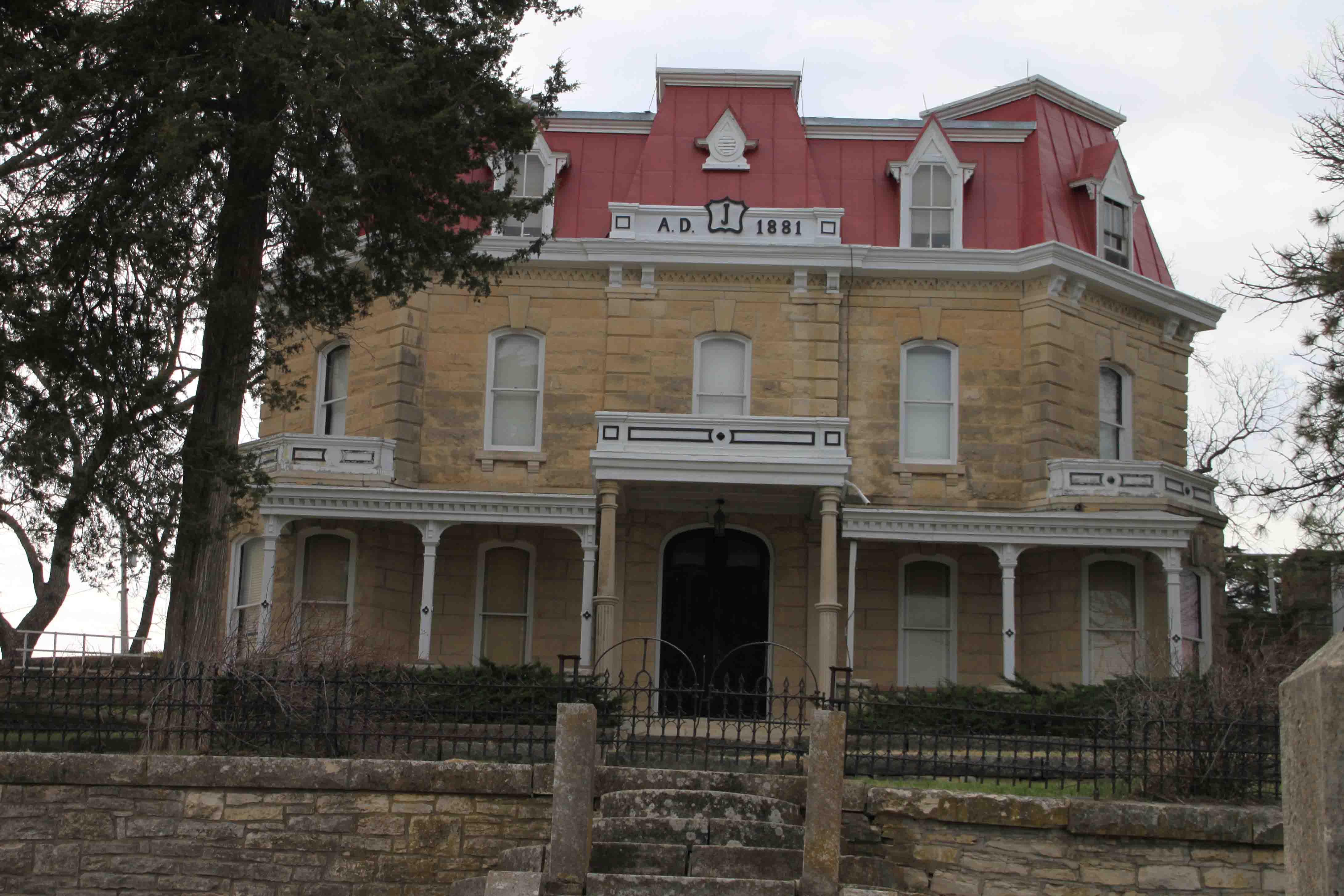 limestone mansion at national tallgrass prairie preserve