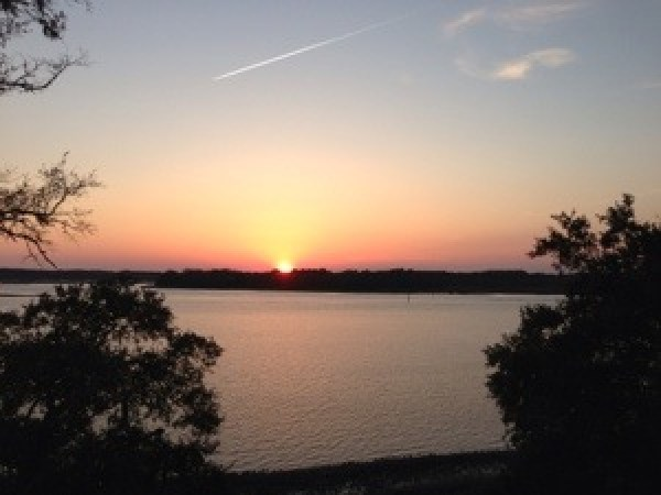 sunset at the old fort pub in hilton head